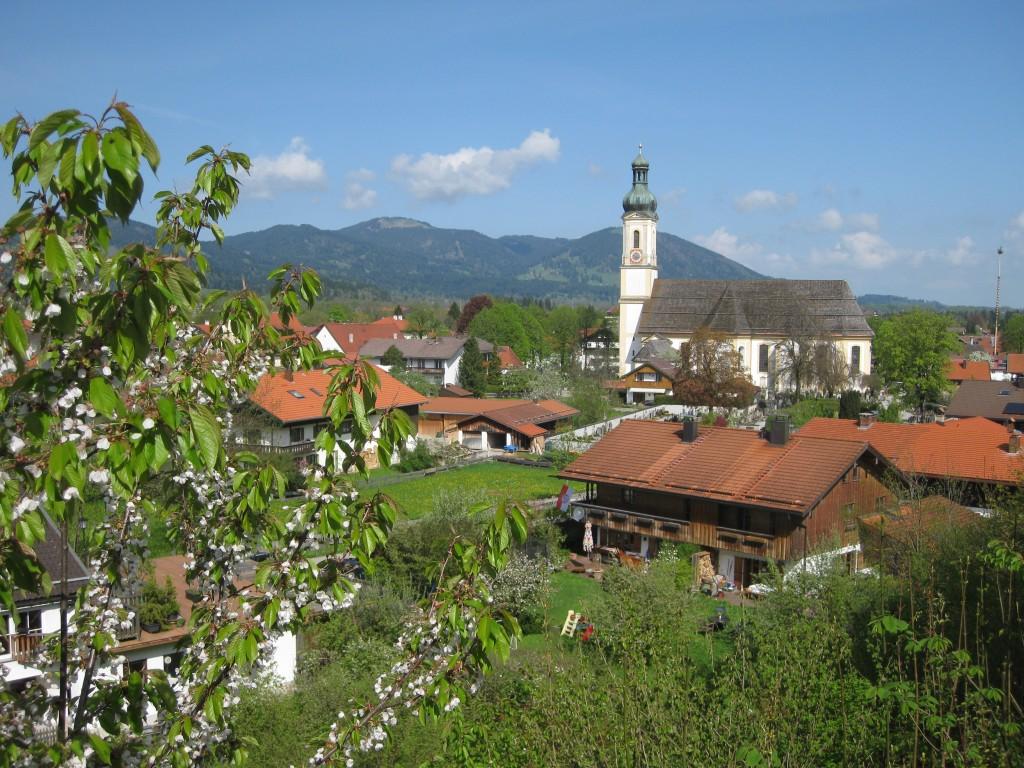 Lenggries mit Kirche